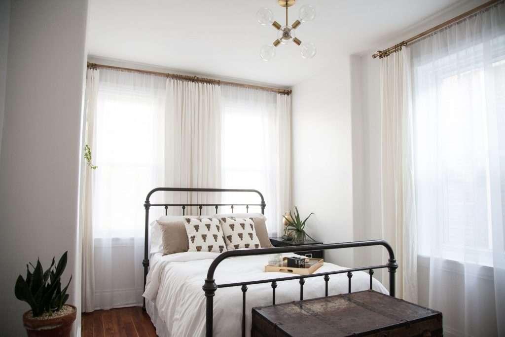Bright Modern Guestroom