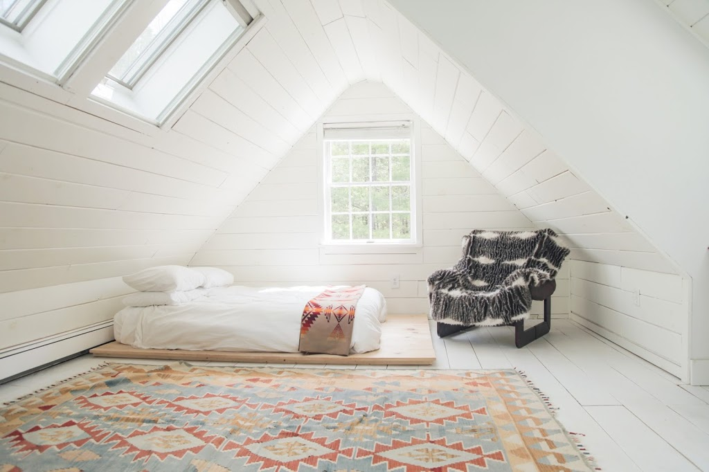 Catskills Cabin Bedroom with Patterned Rug