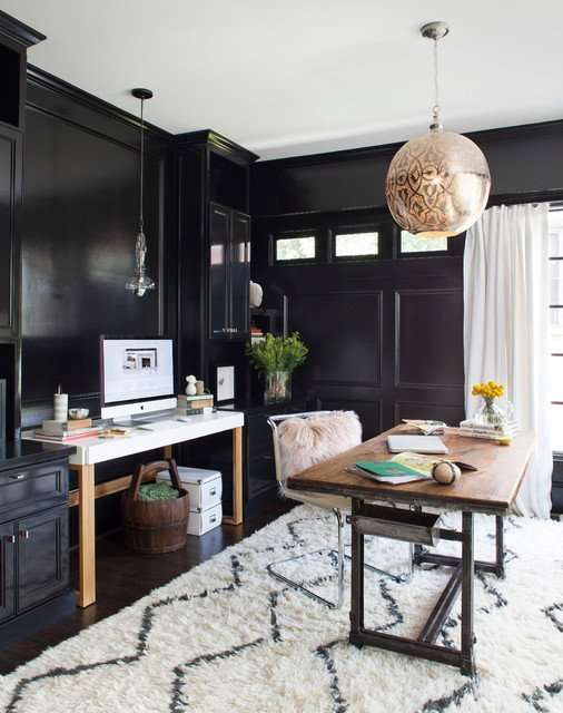 room with sherwin williams tricorn black paint